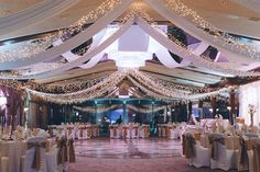 Wedding reception at Crest Hollow Country Club. Captured by NYC wedding photographer Ben Lau.