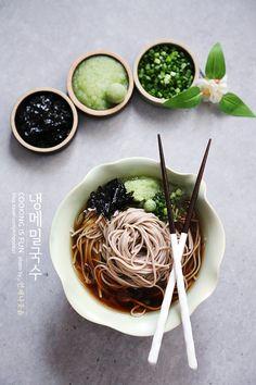 Real Food Recipes, Yummy Food, Healthy Recipes, Food Design, Mumbai Street Food, Food Porn, Food Packaging, Korean Food, Food Plating