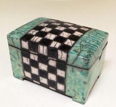 Keramik Dose mit schwarz-weissem Band