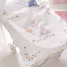 Design + paper + no + + + + transferable to create the + crib + cover + with + fiorelin . Hand Embroidery Videos, Baby Embroidery, Embroidery Fashion, Hand Embroidery Patterns, Embroidery Designs, Baby Sheets, Baby Bedding Sets, Sewing Kids Clothes, Baby Sewing