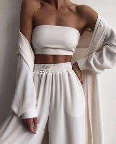 Look Fashion, Girl Fashion, Fashion Outfits, Grunge Fashion, Fashion Pants, Womens Fashion, Cute Casual Outfits, Summer Outfits, Parisian Girl