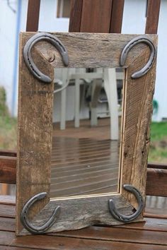 Rustic Wall Mirror for horse lovers, western or rustic decor with horseshoes Horseshoe Projects, Horseshoe Crafts, Horseshoe Art, Wood Projects, Woodworking Projects, Horseshoe Ideas, Kids Woodworking, Intarsia Woodworking, Woodworking Workshop