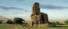 Explora la historia antigua de  Egipto y visita el magnífico  Colosos de Memnon http://www.ibisegypttours.com/es/viajes-a-egipto/viajes-a-egipto-baratos/viajes-econ%C3%B3micos-egipto   con Ibis Egypt Tours
