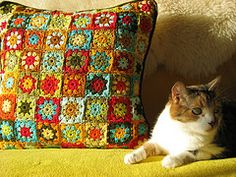 Elizabeth Cat crochets the MOST amazing granny items!