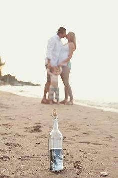 Beach pregnancy announcement ---   http://tipsalud.com   -----