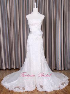 2014 Gorgeous Lace Wedding dress,Mermaid White Bridal gown, Sleeveless, Elegant A-line Wedding dress,Custom-made Chapel Train wedding dress