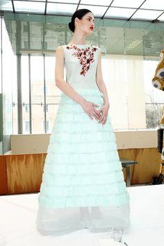 230 fantastiche immagini su Colored wedding dresses  02e024135d2