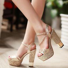 zapatos de quince dorados
