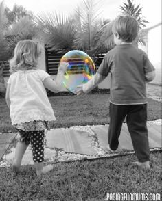 GIANT Bubble Recipe - this can be made from pantry ingredients! Super fun for your little ones! Kids Bubbles, Giant Bubbles, Giant Bubble Recipe, Kids Corner, Things To Do, Recipes, Pantry, Craft, Diy