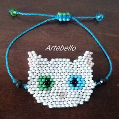 Pulsera hecho en mostacilla (chaquira) decorado en cristal rombo con cierre fácil. Luce y sé diferente con Artebello. Compra escribiendo al… Crochet Necklace, Jewelry, Instagram, Fashion, Shopping, Handmade Bracelets, So Done, Crystals, Blue Prints