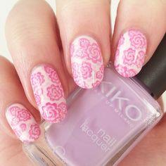 Das versprochene Design zur #fiji basis von gestern. #lilac und #pink #roses für #52wpnmc mit #kiko 330 lilac und #p2 hurry up! Beide stempeln ganz wundervoll. Das Motiv kommt von #emilydemolly EDM05.  #notd #nailart #stamping #doublestamping #essie #nails
