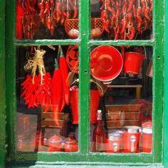 Red & Green #hondarribia #fontarrabie #spain #weekend #colors #red #green
