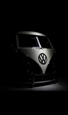 Classic Car News Pics And Videos From Around The World Classic Campers, Vw Classic, Vw T1 Camper, Combi Split, Combi Vw, Volkswagen Group, Busse, Custom Cars, Cool Cars