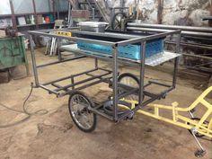 Food Bike – Funilaria Calixto Food Cart Design, Food Truck Design, Coffee Carts, Coffee Shop, Bike Coffee, Food Cart Business, Bike Food, Bike Cart, Food Kiosk