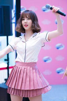 Girlfriend EUNHA 여자친구 은하 Beauty Contest, G Friend, Cute Asian Girls, Drawing Reference, Kpop Girls, Idol, That Look, Ballet Skirt, Girly