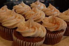 vegan pumpkin spice cupcakes with vegan cream cheese frosting