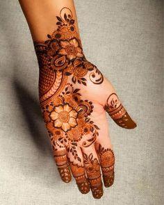 Henna Designs Back, Kashee's Mehndi Designs, Pretty Henna Designs, Modern Henna Designs, Floral Henna Designs, Latest Bridal Mehndi Designs, Mehndi Designs For Beginners, Mehndi Designs For Girls, Mehndi Design Photos