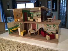 Strombecker midcentury modern dollhouse with furniture