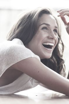 I hope she smiles like this forever, because she deserves it 💕 // Harry And Megan Markle, Meghan Markle Prince Harry, Prince Harry And Megan, Harry And Meghan, Kate And Meghan, Princess Meghan, Meghan Markle Style, Lady Diana, Her Smile