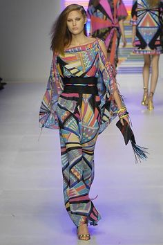 Emilio Pucci Spring 2008 Ready-to-Wear Collection Photos - Vogue Style Haute Couture, Couture Fashion, Runway Fashion, Boho Fashion, High Fashion, Fashion Show, Emilio Pucci, Vogue Paris, Italian Fashion Designers