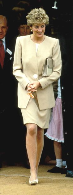 Princess Diana Looked Pretty In Everything She Wore!                                                                                                                                                                                 Mais