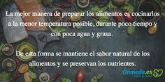 Una #alimentación variada y equilibrada aumenta el rendimiento y mejora la salud. Sin embargo, la alimentación implica mucho más: la preparación de platos sabrosos y su degustación incrementan el bienestar. Aquí tienes las 10 reglas para una alimentación sana.