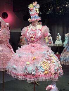 Angelic Pretty Museum Estilo Harajuku, Harajuku Mode, Harajuku Fashion, Kawaii Fashion, Lolita Fashion, Cute Fashion, Fashion Outfits, Grunge Outfits, Grunge Clothes