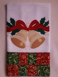 pano de prato natalino com barrado em patchwork Mais