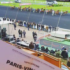 Prochain événement premium de BubbleGlobe ?! #teasing #hippodrome #letrot #paris #vincennes #parissportif #picoftheday #horse #driver #luxe #premium