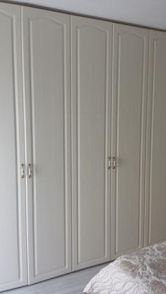 dulap dormitor Proexutil -mobilier personalizat in Cluj Napoca Pentru informatii si comenzi Tel 0753352269 email:mobila_cluj@yahoo.com  site web: http://www.mobilier-personalizat.webs.com