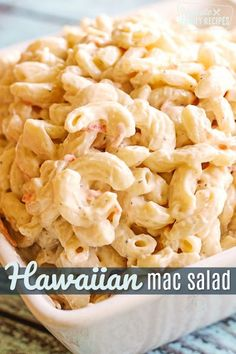 Hawaiian Macaroni Salad is the real deal. A no-frills, creamy mac salad that is the perfect side dish for any BBQ or Luau!This Hawaiian Macaroni Salad is the real deal. A no-frills, creamy mac salad that is the perfect side dish for any BBQ or Luau! Hawaiian Macaroni Salad, Macaroni Salads, Healthy Macaroni Salad, Hawaiian Salad, Best Mac Salad Recipe, Creamy Macaroni Salad, Macaroni Recipes, Al Dente, Gastronomia