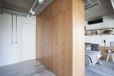 This apartment, which can be found in the area of Vila Mariana in São Paulo, Brazil, takes inspiration from Scandinavian architecture to create an Big Bathrooms, Small Bathroom, Raw Furniture, Huge Mansions, Architecture Design, Mini Loft, Small Studio Apartments, Shower Cabin, Wooden Screen