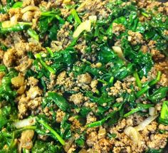 Skillet Chili with Kale, Spinach, and Onion 1 pound of ground beef 1 big bunch of fresh kale 1 big bunch of fresh spinach 1 sweet yellow onion Balsamic vinegar Coconut oil Unsweetened cocoa – 2 tablespoons Chili powder – 1 teaspoon Ground cumin – 1 teaspoon Ground coriander – 1 teaspoon Garlic powder – 1 teaspoon Salt – 1 teaspoon