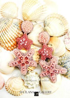 Creative process of designing and making custom order starfish bead embroidered earrings. Jewelry Design Earrings, Charm Jewelry, Beaded Earrings, Beaded Jewelry, Statement Earrings, Beaded Starfish, Starfish Earrings, Beading Tutorials, Beading Patterns