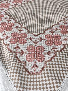 Swedish Embroidery, Basic Embroidery Stitches, Cross Stitch Embroidery, Hand Embroidery, Chicken Scratch Embroidery, Mini Album Tutorial, Creeper Minecraft, Yarn Thread, Funny Tattoos