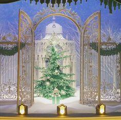 #christmasinnyc #christmaswindows #holidaywindows @tiffanyandco #tiffanyandco #NYC #visitnyc