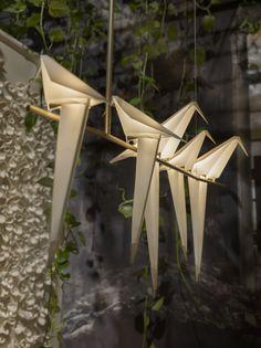 Prachtige vogel lampjes gespot bij Moooi in Milaan - Roomed