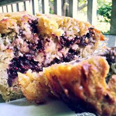 huckleberry banana bread recipe | Huckleberry Banana Bread with vegan option