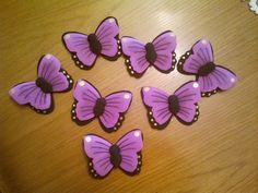 Mariposas de goma Eva a modo de broche