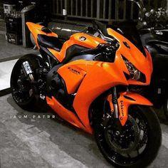 Motos Honda, Honda Cb750, Honda Cbr1000rr, Honda Cbr 600, Yamaha Motorcycles, Honda Honda, Honda Motorbikes, Honda Ruckus, Vintage Motorcycles