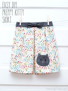 Easy DIY Preppy Kitty Skirt – Easy DIY Preppy Kitty Skirt – I adore kitties, this would be perfect for my little one! The post Easy DIY Preppy Kitty Skirt – appeared first on Fashion Ideas - Fashion Trends. Easy Sewing Projects, Sewing Projects For Beginners, Sewing Hacks, Sewing Tutorials, Sewing Crafts, Sewing Patterns, Sewing Kids Clothes, Sewing For Kids, Diy Clothes