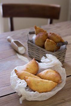Goal - Italian Pastries Pastas and Cheeses Tuscan Bean Soup, Italian Pastries, Latest Recipe, Brunch, Pastry Recipes, Mozzarella, Frittata, Street Food, Italian Recipes