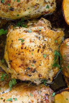 Easy Greek Lemon Chicken is made with just a handful of ingredients in a cast iron skillet along with roasted lemon wedges that make an easy pan sauce. Lemon Garlic Pasta, Lemon Butter Chicken, Greek Lemon Chicken, Greek Fried Chicken Recipe, Greek Lemon Sauce Recipe, Lemon Baked Chicken, Greek Roasted Chicken, Greek Chicken Recipes, Chicken Thigh Recipes