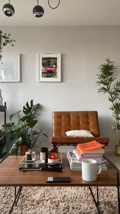 Apartment Interior, Room Interior, Home Interior Design, Vintage Apartment, Dream Home Design, House Design, Living Room Decor, Living Spaces, Living Room Inspiration
