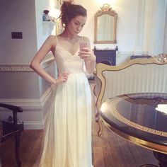 So elegant ○♡ and such a beautiful dress! My oh my Marzia