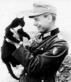 Barbeque Design, The Third Reich, World War Ii, Captain Hat, World War Two, Wwii