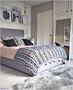 45 Warm Bedroom Design and Decorations That Will Inspire You Small Master Bedroom, Modern Bedroom, Master Bath, Stylish Bedroom, Teen Room Designs, Simple Bedroom Design, Design Bedroom, Comfy Bedroom, Scandinavian Bedroom