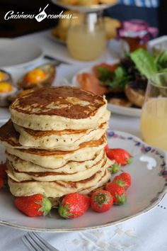 Les pancakes fondants de Martha Stewart Martha Stewart's pancakes – Cooks In Colors Martha Stewart Pancakes, Martha Stewart Cooking, Strawberry Dessert Recipes, Apple Dessert Recipes, Pancake Recipes, Beignets, Sour Cream Pancakes, Fondant, Apple Recipes Easy