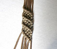 learning this macrame pattern