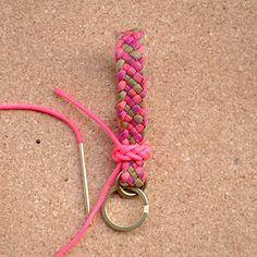 Paracord key fob / 6 strand french sinnet/パラコード,六つ編み,キーホルダー,タークスヘッド,作り方